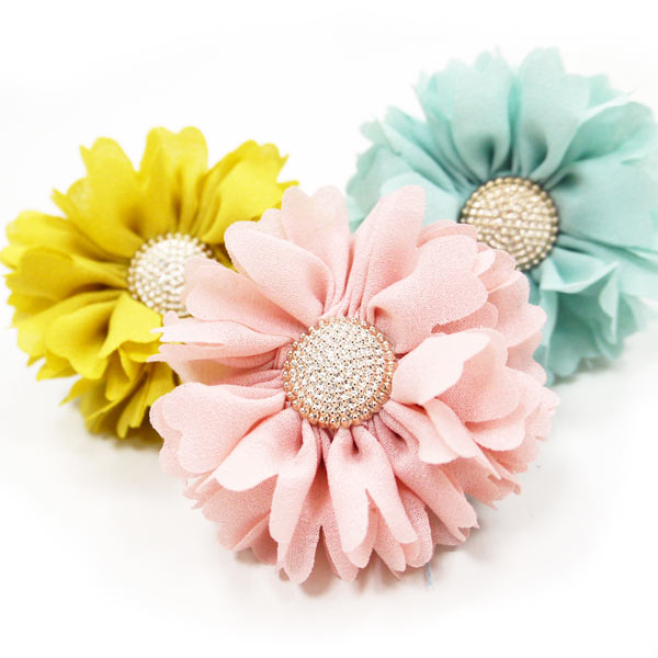 Freshen Up A Collar For Spring With a Flower Accessory by DoGo